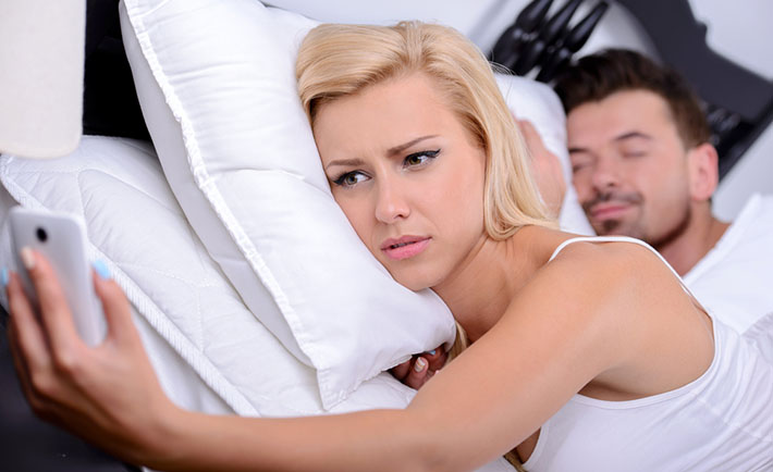Part 2. Top 10 Emotional Signs that Your Boyfriend is Cheating on You